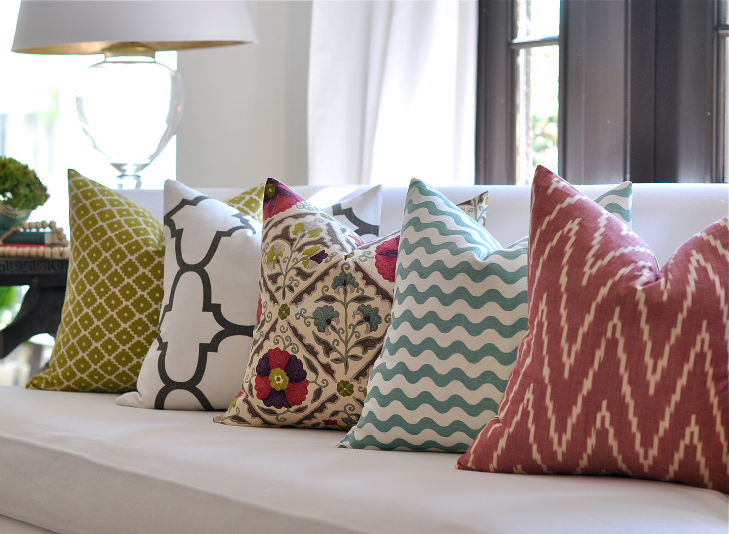 house-a-home-pretty-pillows