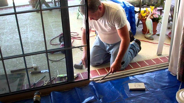 repair-sliding-door-rollers